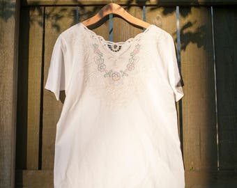 VINTAGE Embroidered Lace Tee Shirt