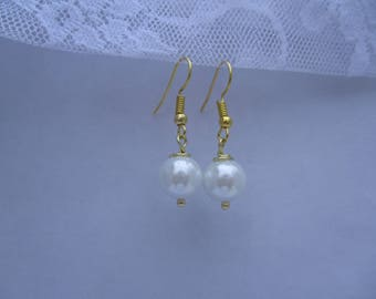 Gold & White Pearl Earrings-Bridesmaid jewelry-Maid of Honor jewelry-Bridal Party gift-Wedding Party jewelry-Bridal gift-Wedding,E644