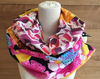 Scarf infinity patchwork toucans