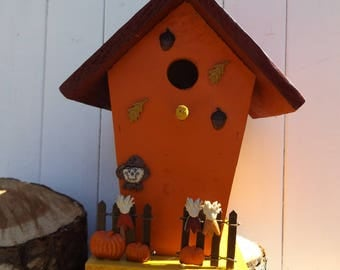 Cedar Fall rustic Bird House, Fall colors out side Bird House, Decorative Fall Bird House,Rustic Fall Bird House