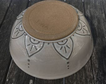 White Slip Trail Bowl - Outside Design