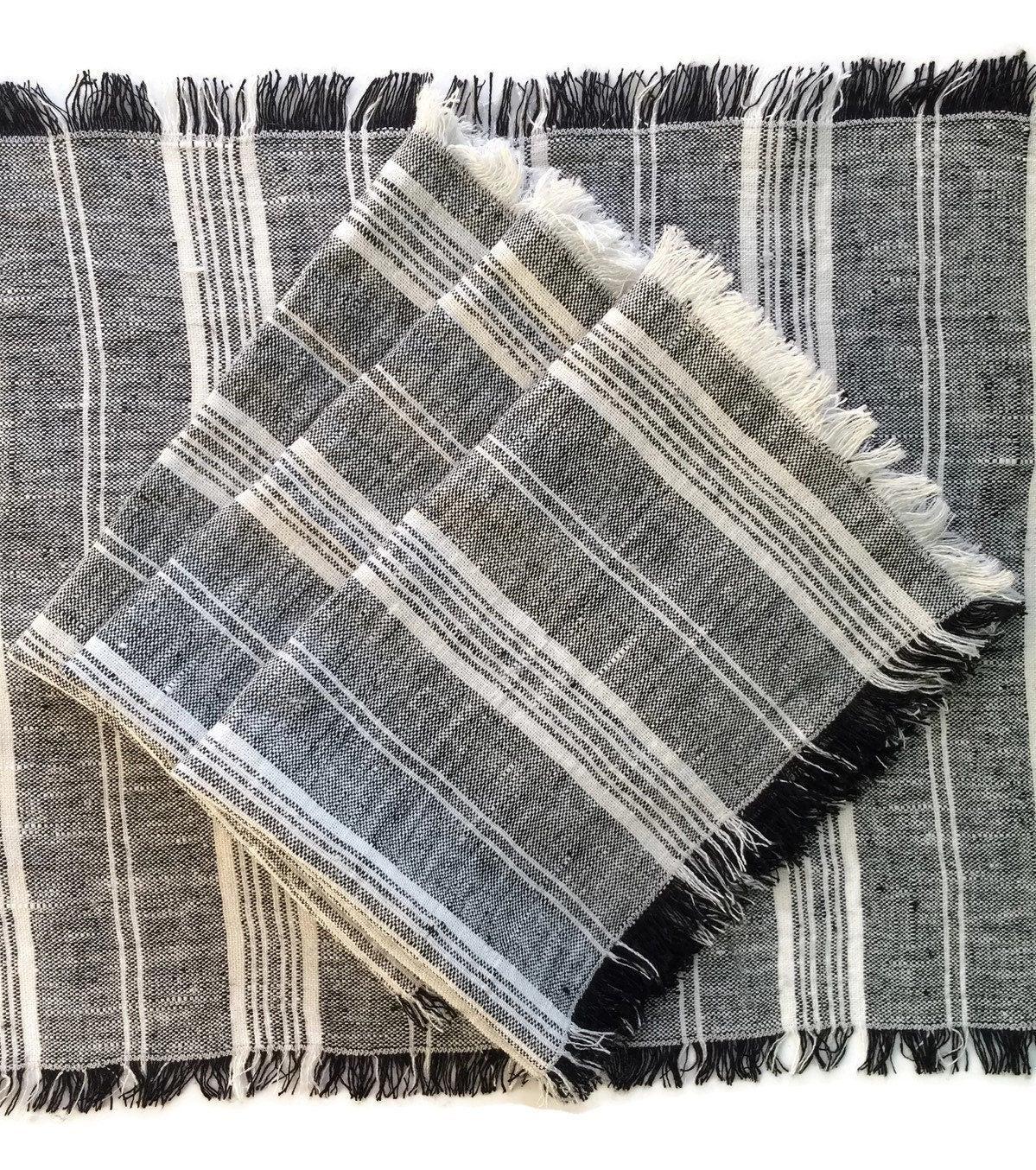 set of 4 linen placemats black and white placemats black. Black Bedroom Furniture Sets. Home Design Ideas
