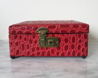 Jewelry Organizer, Vintage Faux Leather Red Jewelry Box, Home Decor, Keepsake Boxes, Keepsake Box, Housewarming Gift, Jewelry Boxes Women