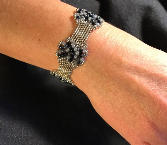 Hand Beaded Glass and Silver Bracelet Infinity Jewelry NO 128