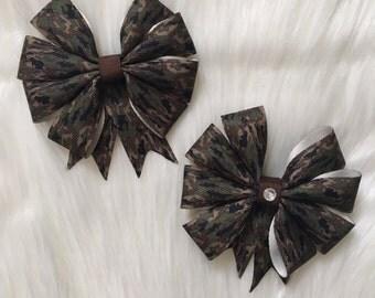 Camouflage bow/ hair barrette/ camo hair bow/ girls hair barrette