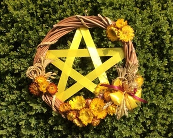 Willow wreath - Pentacle - Beltane gift - May Day decoration - Spring wreath