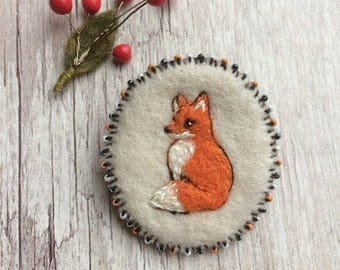 Handmade felted embroidered pin - Embroidered fox - Embroidered Brooch - Felted Pin - Orange Fox - Felted fox - Embroidered Fox - Fox pin