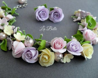 Set braslet and studs with roses from polymer clay