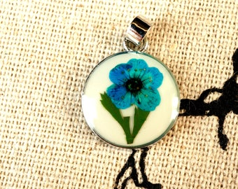 Dried flower resin blue round pendant silver jewellery supplies C203