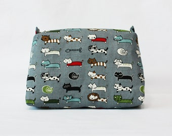 Gray cats pouch, cats pouch, travel pouch, cosmetic bag