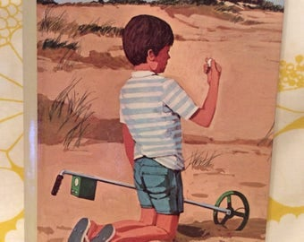 Mystery In The Sand B~ Boxcar Children ~ Vintage Book ~ Hardback
