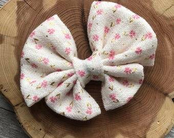Delicate flower bow, toddler bow, baby bow