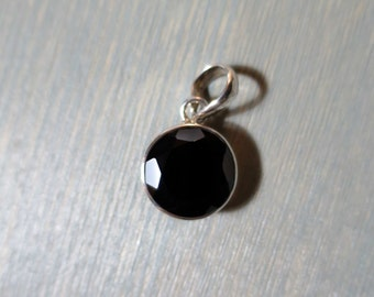 Black Onyx Faceted pendant in Sterling Silver