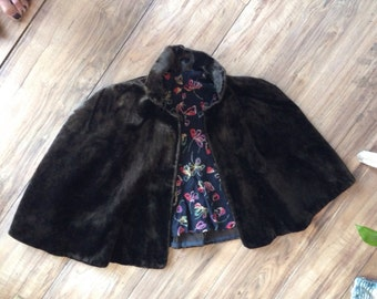 Pretty Little Vintage Fur Capelet