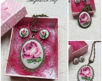 Cross stitch roses. Embroidered pendant and earrings. Pink roses.