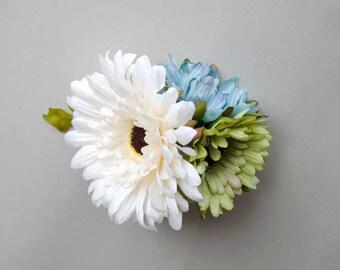 White daisy flower hair comb, woodland inspired hair comb, wedding head flowers