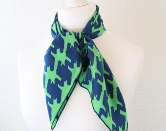 Jacqmar green and blue dog-tooth/hounds tooth retro/vintage scarf with rolled sewn edging/ 1960s/1970s