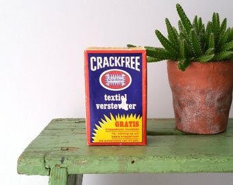 Vintage packaging textile stiffener 'CrackFree'