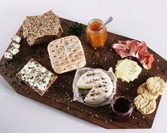 Eskil Walnut cutting board/tray