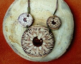 Natural three eyes pendant - Woodburned eye pendant - Pyrography - Avant garde pendant - Boho style