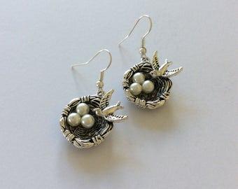 Bird on nest earrings / bird earrings / bird jewellery / animal earrings / animal jewellery / animal lover gift