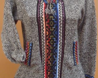 Handmade hooded sweater in the andes Peruvian alpaca designs