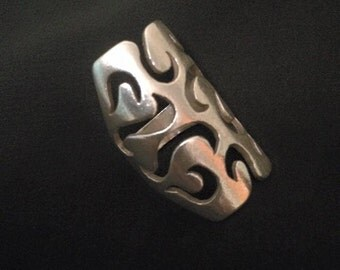 Sterling silver handmade cut-out design ring