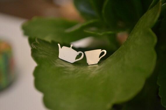 10% XMAS SALE Silver ' Tea for One' Earrings