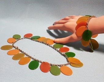RARE Bakelite Necklace and Matching Bracelet