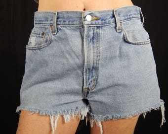 516 Levi's Cut-off Shorts