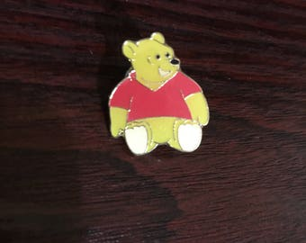 Winne The Pooh Metal Pin/Badge