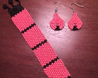 Pink and black earring and bracelet set