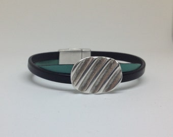 Leather twist bracelet with magnetic clasp