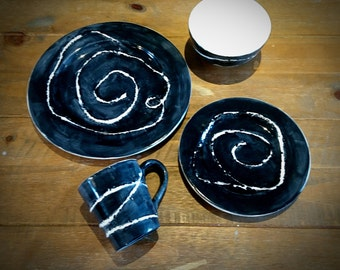 Hand Painted Black Contrast Dinner Set