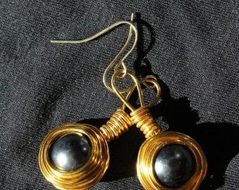 Dangle Nest Pearl Earrings