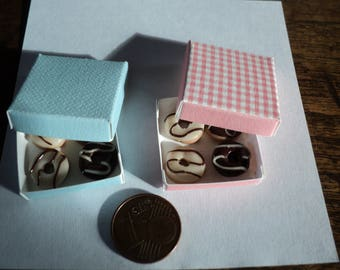 Miniature donuts with box, 1:12 th scale