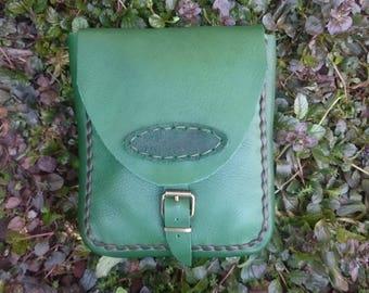 Handmade leather marsupio - green. Marsupio in pelle fatto a mano, verde. Good italian leather,  100% handmade (No machines)