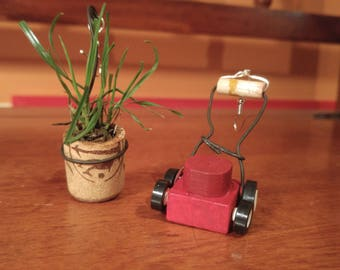 Earrings small lawnmower grass and pot of artificial grass for your ears!