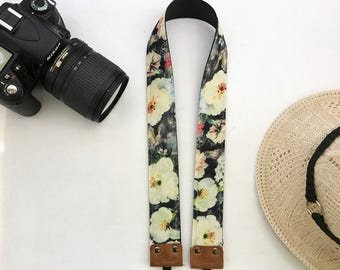 "NuovoDesign tasteful and unique ""Blossoms by the night"" camera neck strap"