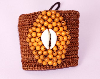 Brown waxed thread - shell crochet bracelet