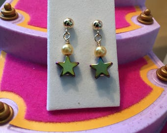 Gold star earrings- girls gold dangle earrings- kids 14K gold filled star earrings