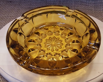 Vintage Amber Mid-Century Starburst Ash Tray