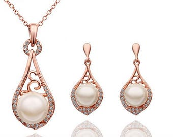 Rose Gold or Silver Plated Bridal Wedding pearl and crystals necklace and earring set // bridal wedding jewelry set