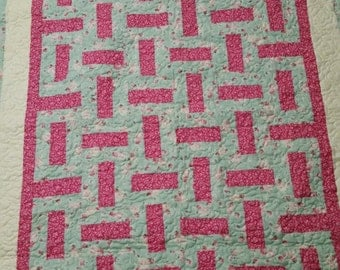Twin sized basket weave pattern quilt