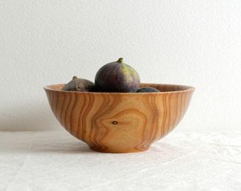 Medium wooden bowl
