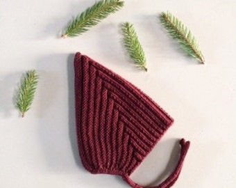 Knitted pixiehat 3-6 months burgundy
