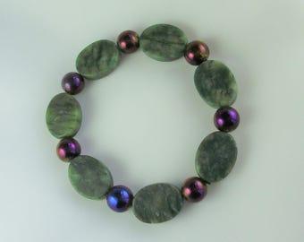 Purple Glass and Green Serpentine Bracelet
