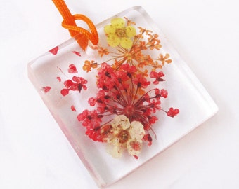 Pendant Dahlia square resin flowered jewelry necklace nature in colorful dried flowers