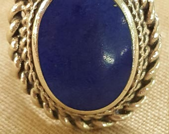 Vintage Large Sterling Silver and Lapis Lazuli Oval Cabochon Ring US siz 7