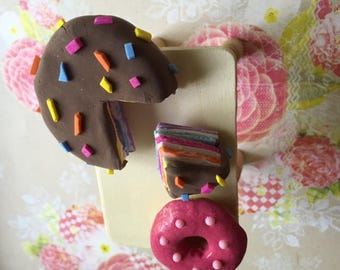 American Girl cake and donut (playscale)